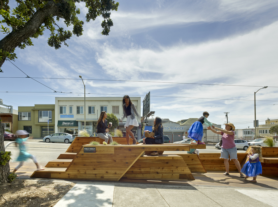 Sunset Parklet, nuevo concepto de equipamiento público de Interstice Architects