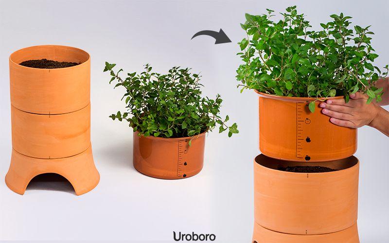 Uroboro, el vermicompostador doméstico de Marco Balsinha