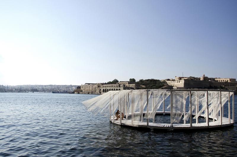 Antiroom II, arquitectura flotante de Elena Chiavi, Ahmad El Mad y Matteo Goldoni
