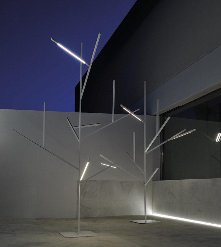 Blau, el árbol de luz de Fran Silvestre Arquitectos para GandiaBlasco