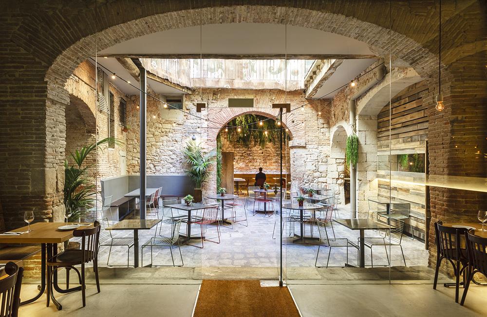 Patio de La Bona Sort, Jordi Ginabreda Studio, 2016 © Marcela Grassi