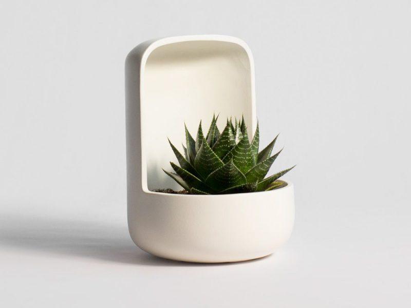 Essencials, la colección de macetas cerámicas de Alicia Bas y Xènia Garcia Bas
