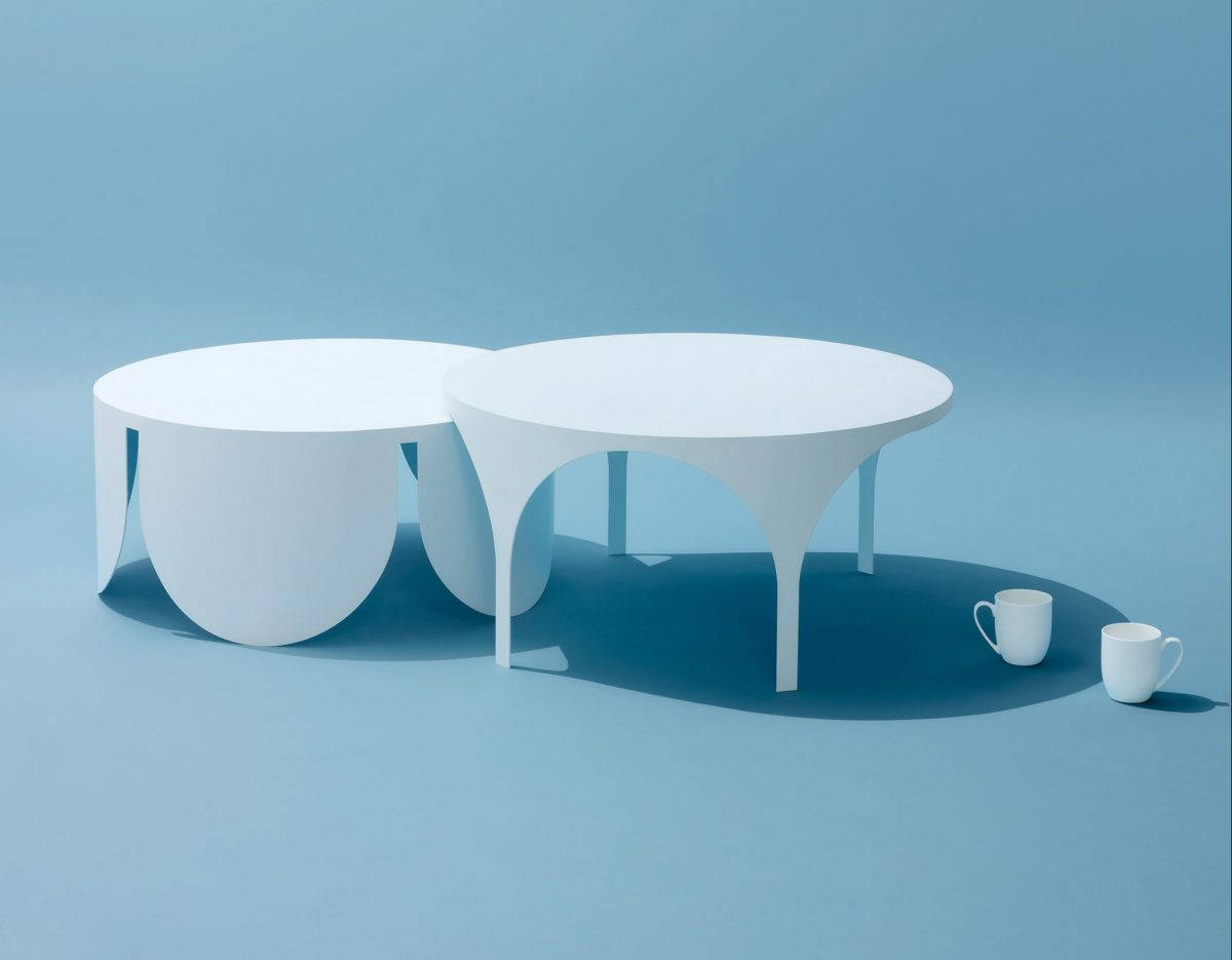 Two Tables, las mesas de café opuestas y complementarias de BoardGrove Architects