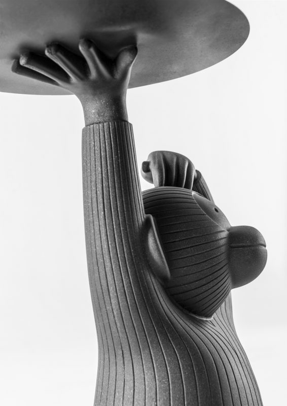 Monkey Side Table, Jaiver Hayón, 2015, Foto de Eugeni Aguiló