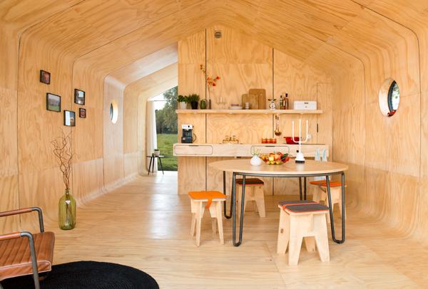Fiction Factory presenta Wikkelhouse: un espacio modular de cartón, adaptable y ecológico