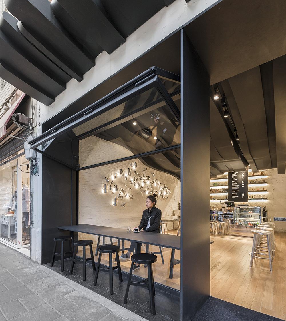 Fumi coffee el homenaje al caf de alberto caiola for Exterior standalone retail