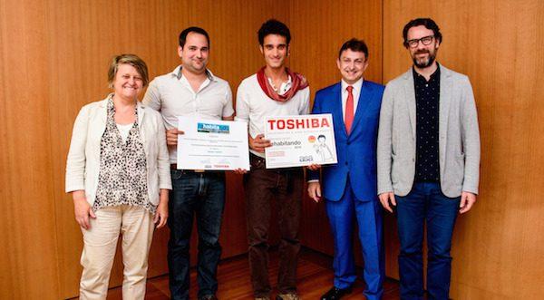 Ganadores del Premio ReHabitando 2016: Elena Oleza y Juan Montaña, arquitectos de la UPV, y David Gómez, ingeniero técnico industrial de la Universidad de Valladolid