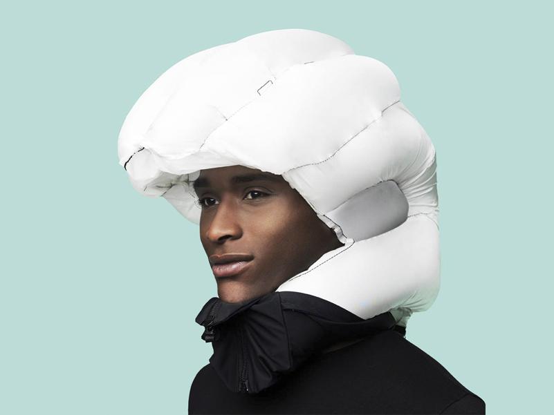 Hövding, casco para ciclistas con airbag de Anna Haupt y Terese Alstin