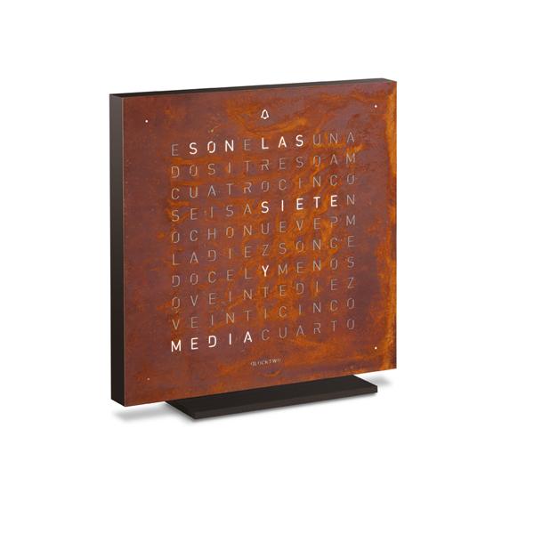 qlocktwo el reloj de biegert funk que da la hora en palabras experimenta. Black Bedroom Furniture Sets. Home Design Ideas