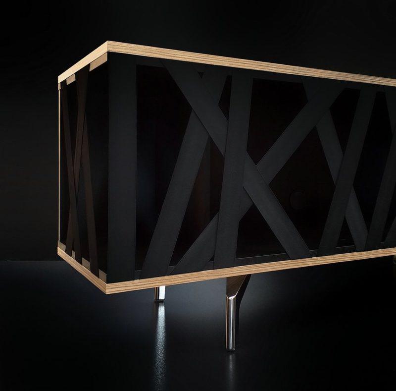 Caos, el gabinete de puerta elástica de Alessandro Criscito
