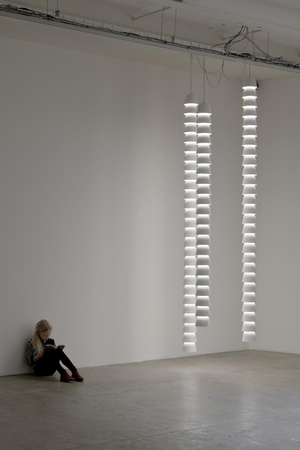Chaînes, Ronan & Erwan Bouroullec 2016. Galerie kreo, París. ©studio Bouroullec