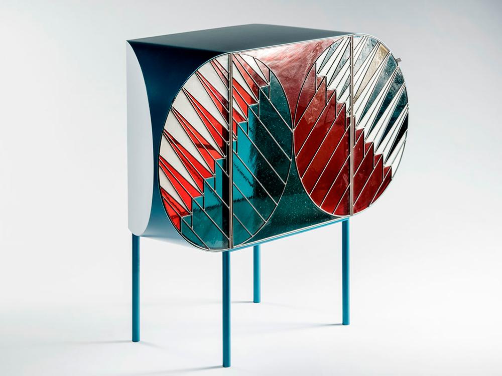 Credenza, vitrales modernos de Patricia Urquiola y Federico Pepe