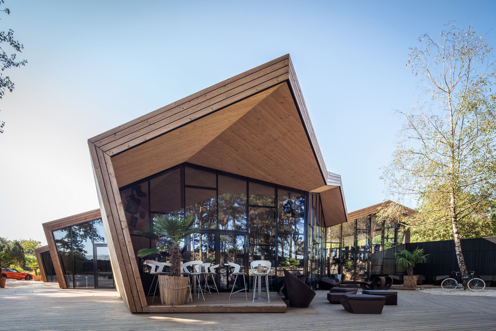 Boos Beach Club, el restaurante inspirado en el origami, Metaform architects, Luxemburgo, 2016, © Steve Troes Fotodesign