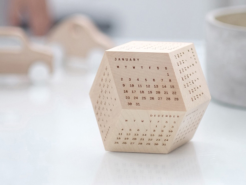 DodeCal, calendario poliédrico de madera. Tecnología y diseño artesanal