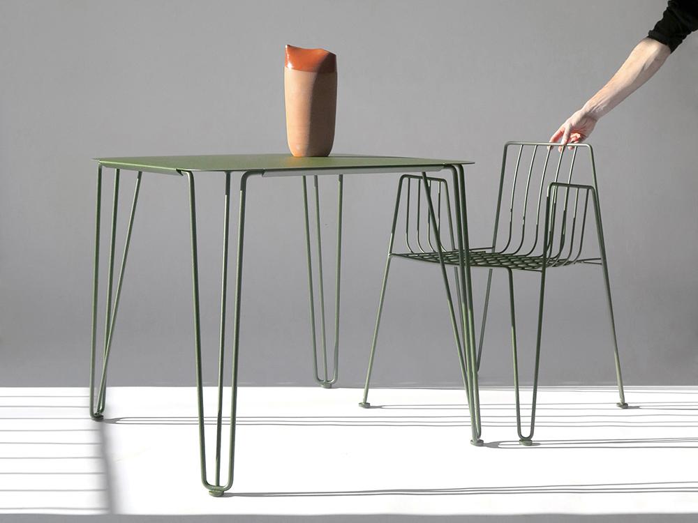 Silla y mesa Rambla, un diseño de Martín Azúa para Mobles 114