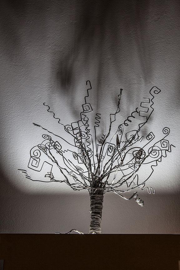 Zoleila Solano. Árbol Indígena. Escultura en aluminio. Fotografía cortesía de Rodrigo Rubí.