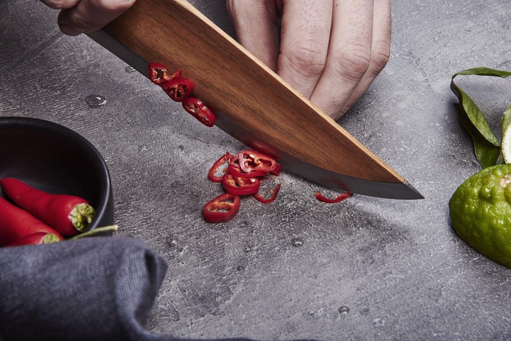 //SKID, el primer cuchillo de cocina fabricado en madera