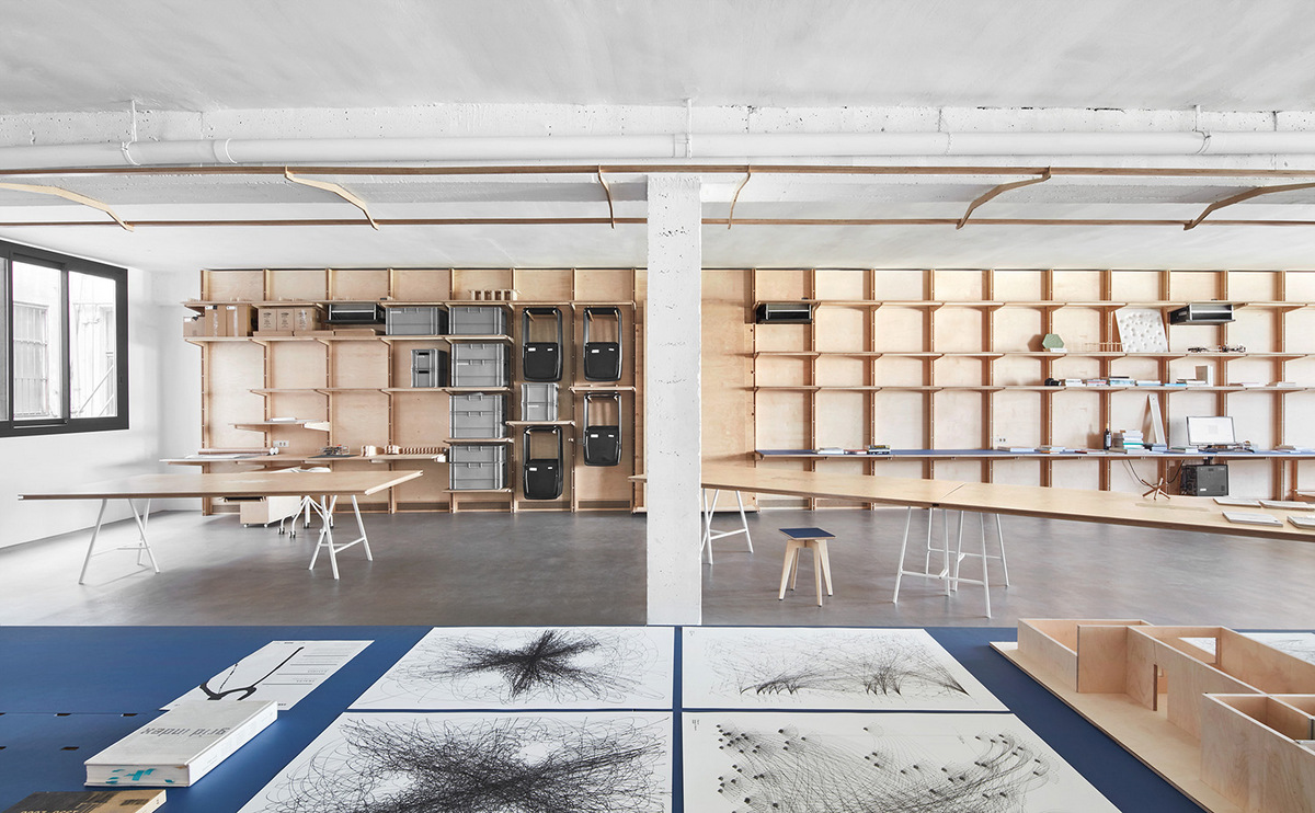 Appareil convierte un almacén de una antigua zona industrial en un coworking