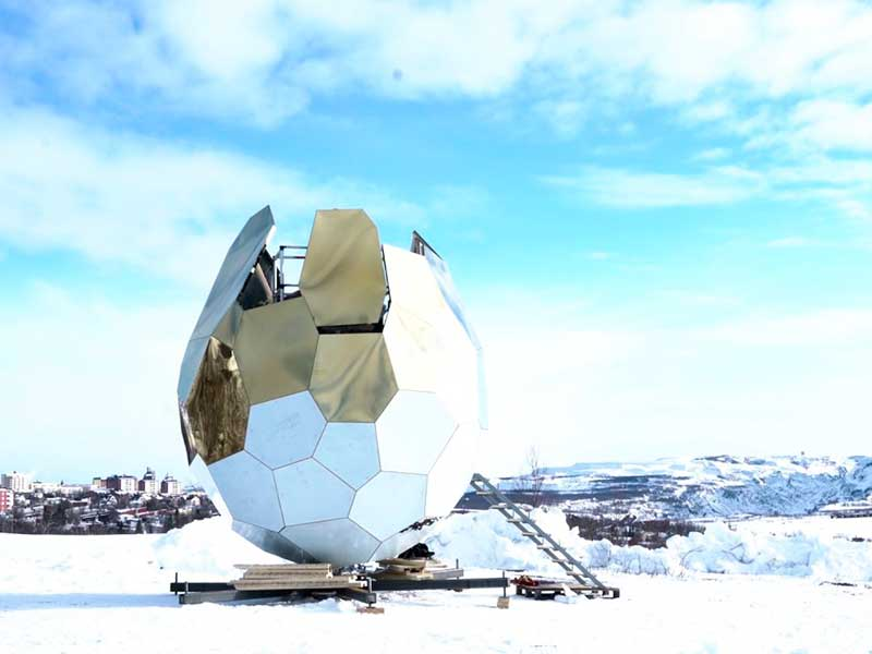 Solar Egg, la sauna poliédrica de Bigert & Bergström en Suecia
