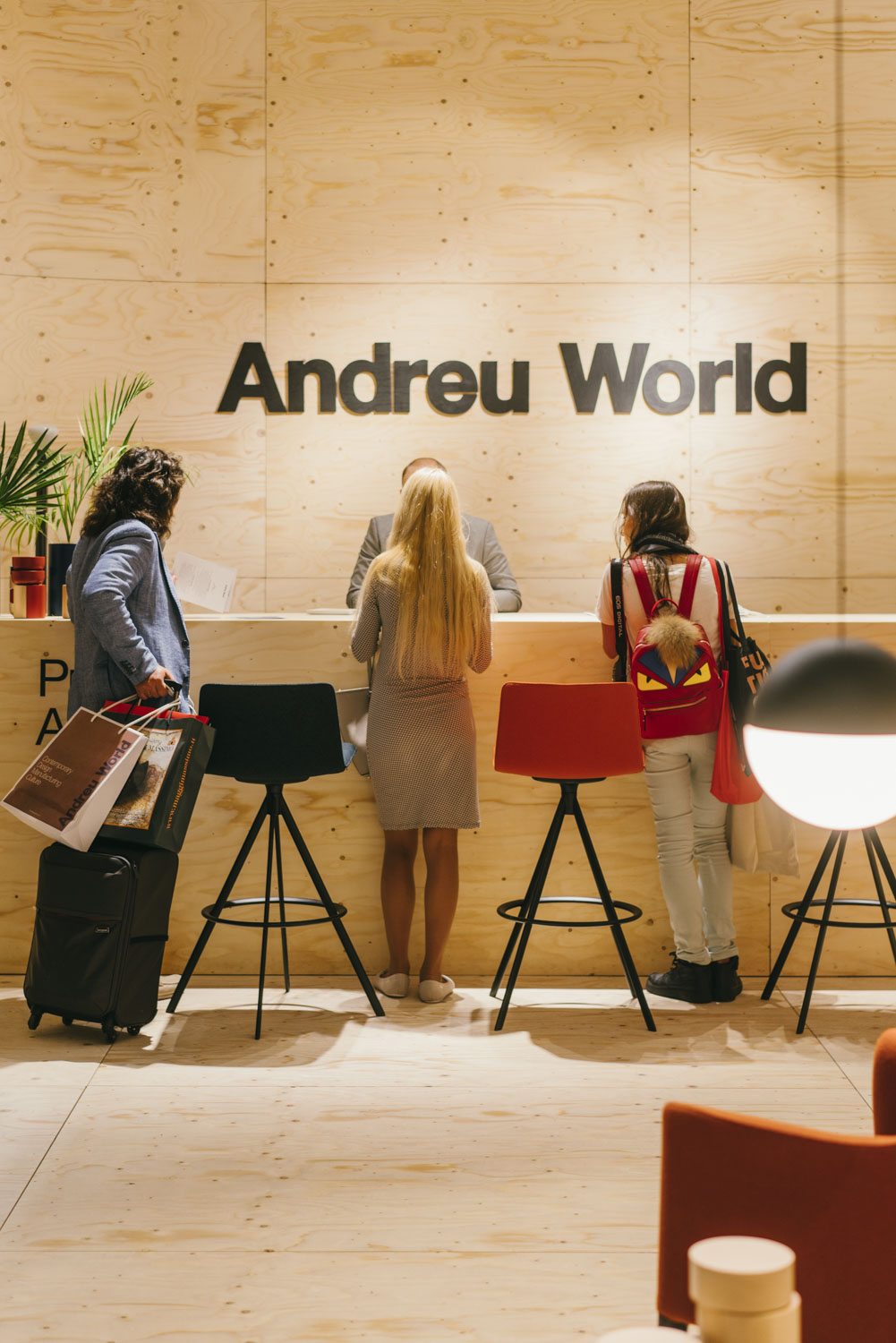 Andreu World, Salone Internazionale del Mobile, Milán, 2017