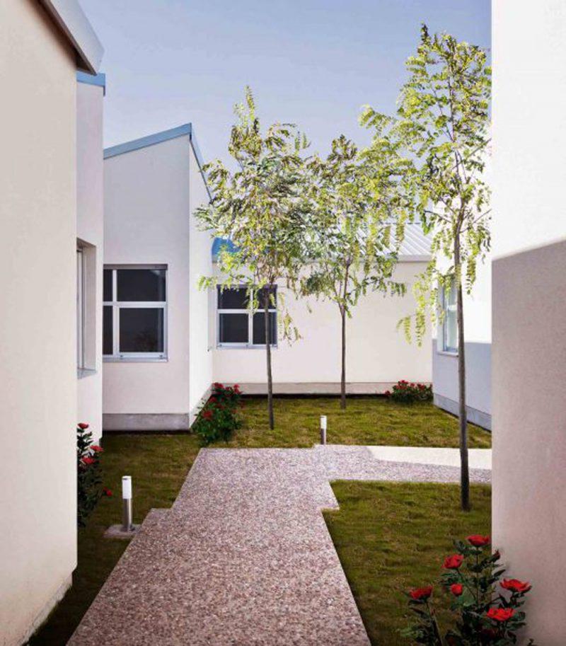 El hogar para mayores de Oscar M. Ares Álvarez en Aldeamayor de San Martín, Valladolid