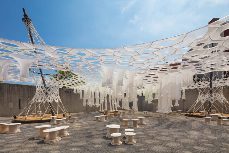 Lumen, de Jenny Sabin Studio, ganador del MoMA PS1 2017. Fotografía: Pablo Enriquez