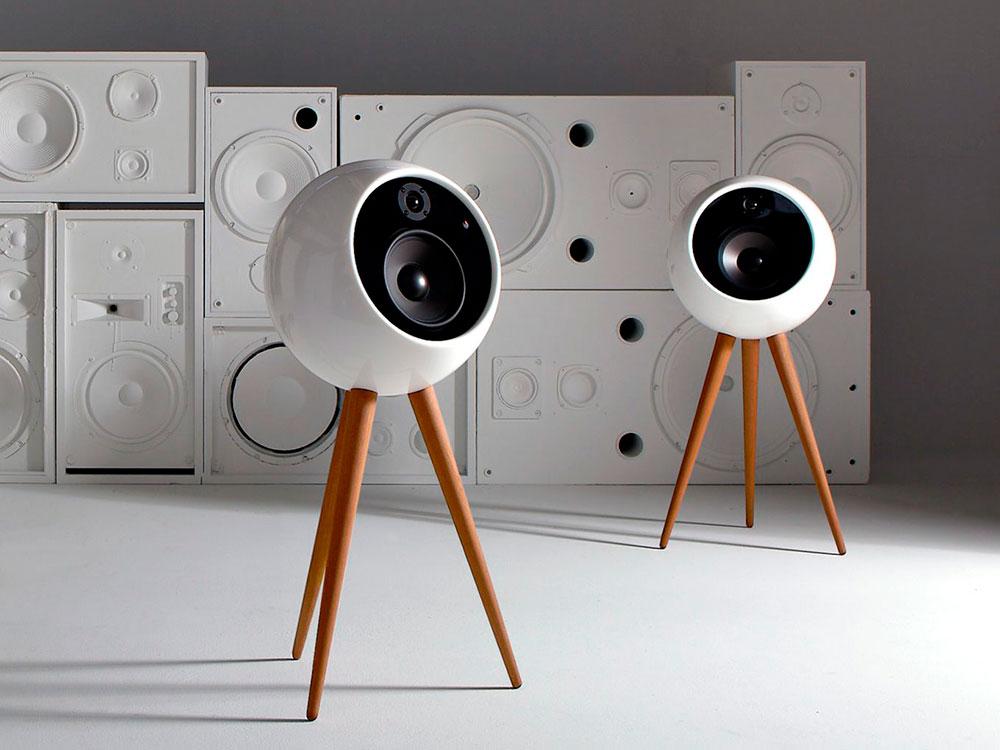 Moonraker, los altavoces retrofuturistas de Bossa