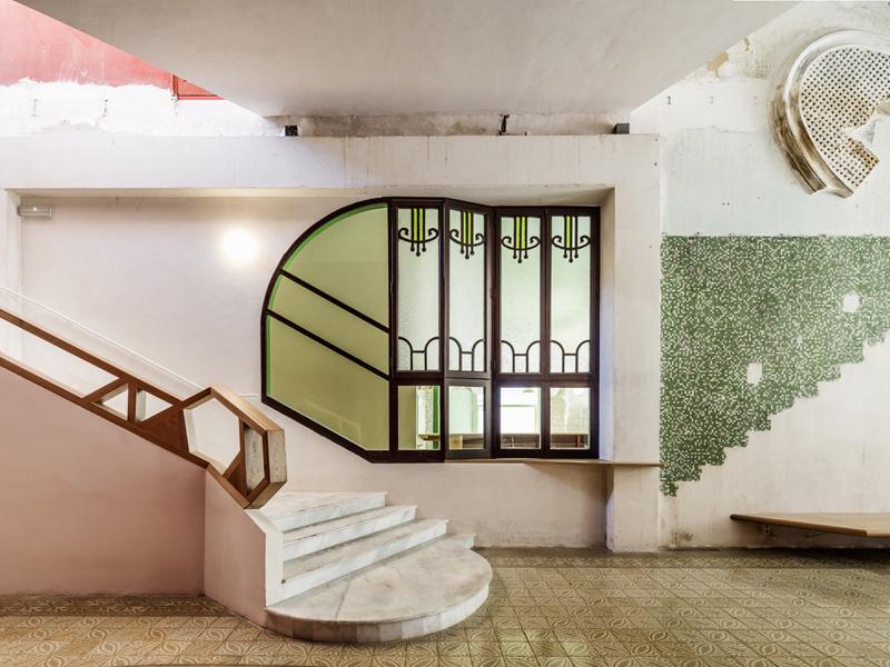 Sala Beckett: la rehabilitación arqueológica de  Flores & Prats Arquitectes