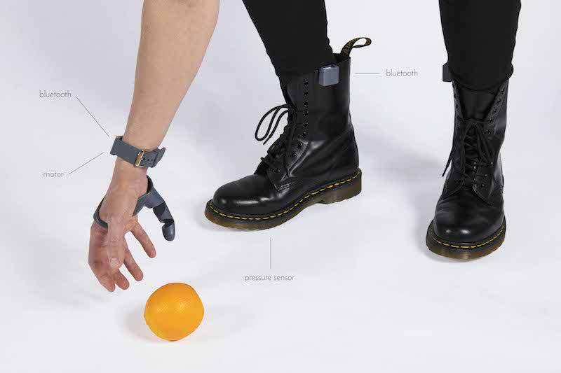 The Third Thumb, una prótesis diseñada por Dani Clode