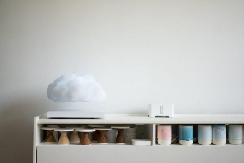 Floating Cloud, la lámpara magnética levitante de Richard Clarkson Studio
