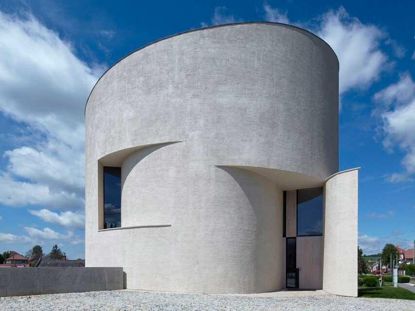 Atelier Štěpán crea un espacio para la oración cilíndrico en la República Checa