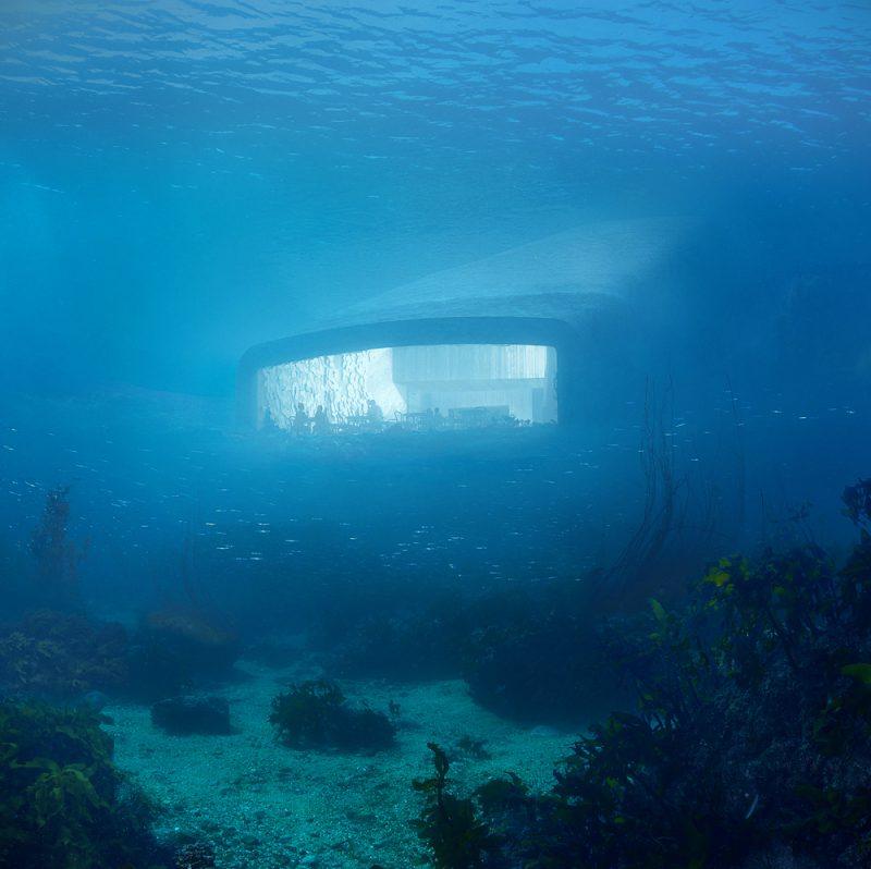 Under de Snøhetta, el primer restaurante submarino de Europa. ©MIR and Snøhetta