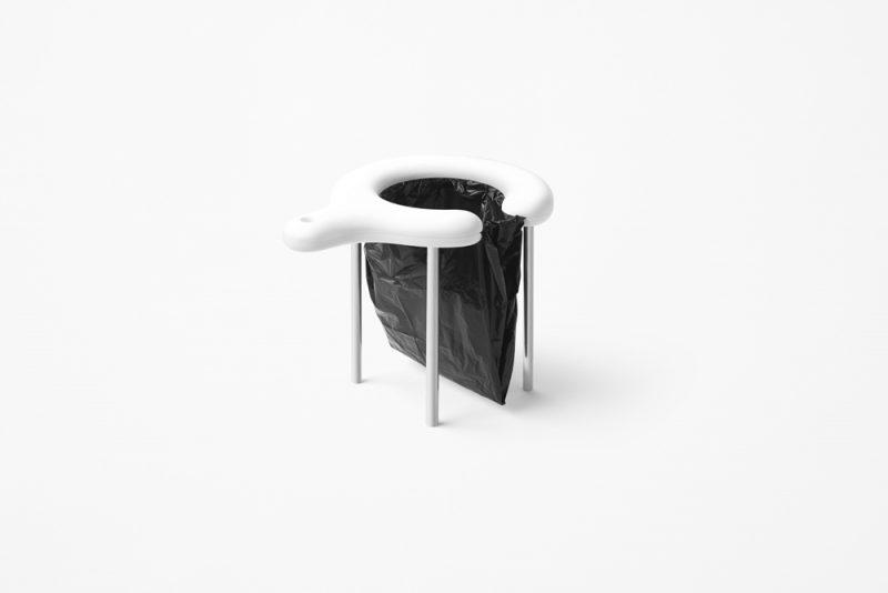 MinimLET de Nendo. Inodoro portátil para víctimas de desastres naturales. Fotografía: Akihiro Yoshida