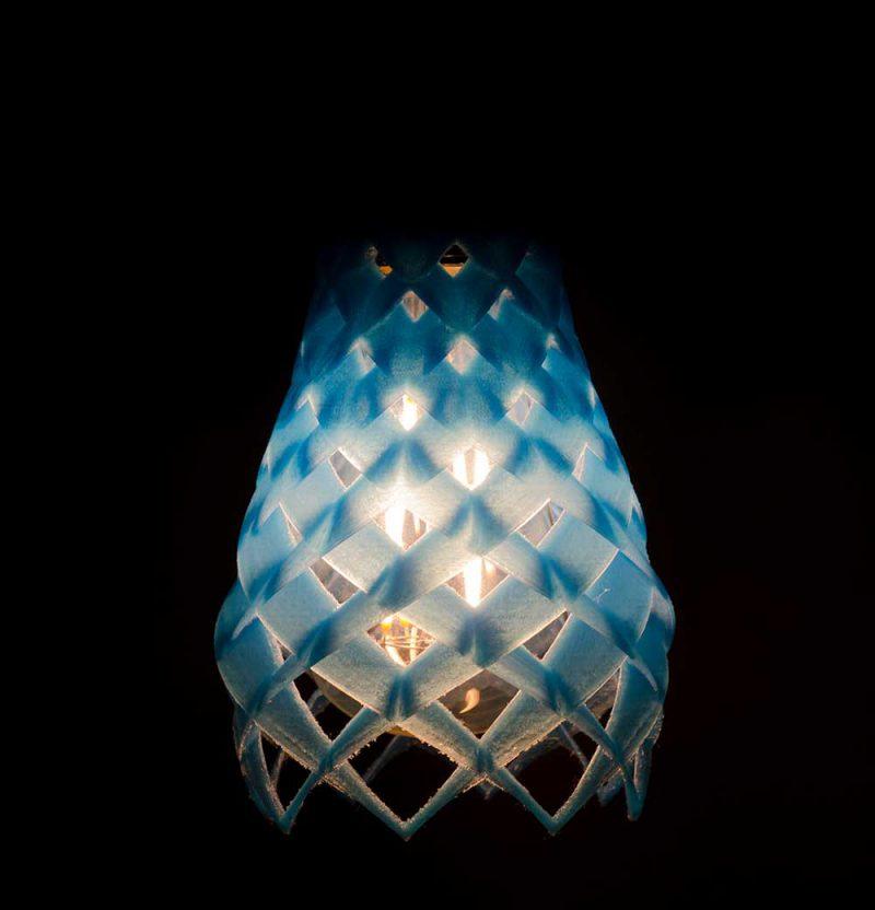 Ruche, impresión 3D en la colección de luminarias de Plumen y Hook Phanthasuporn