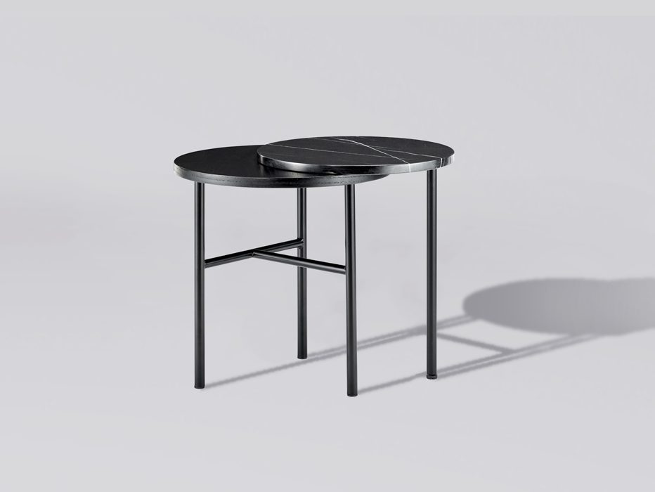 Closer, la mesa auxiliar de Sanna Völker para Bolia
