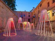 DP Architects (Kyle Fulton y Takanao Todo), 'Cada cuba huele al vino que tiene' © Josema Cutillas