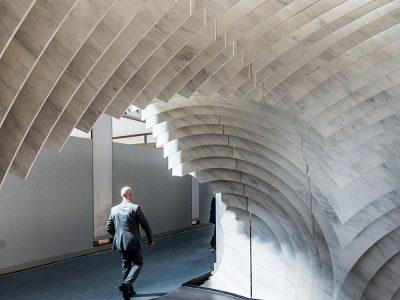 Rocamora diseña el estand de Techlam by Levantina en la última edición de Cersaie