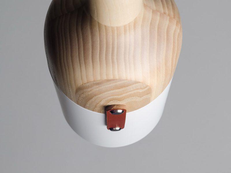 Lampara de suspensión Nut, de Julia Kononenko para M'ZPA