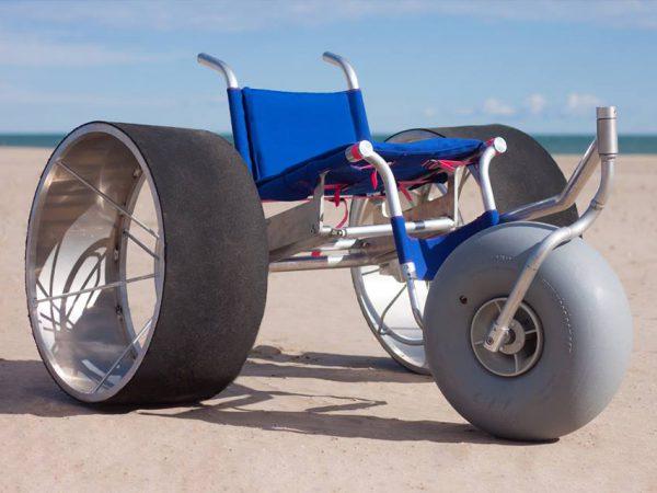 Diseño inclusivo: SandRoller, la silla de ruedas de playa diseñada por alumnos de la UPV