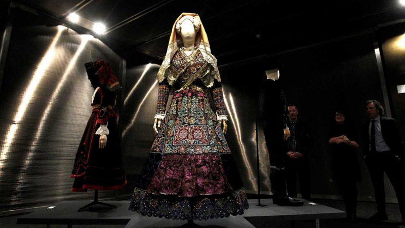 La exposición Iconos de estilo. Una mirada a la indumentaria tradicional estará disponible en el Museo del Traje de Madrid hasta el 3 de junio.
