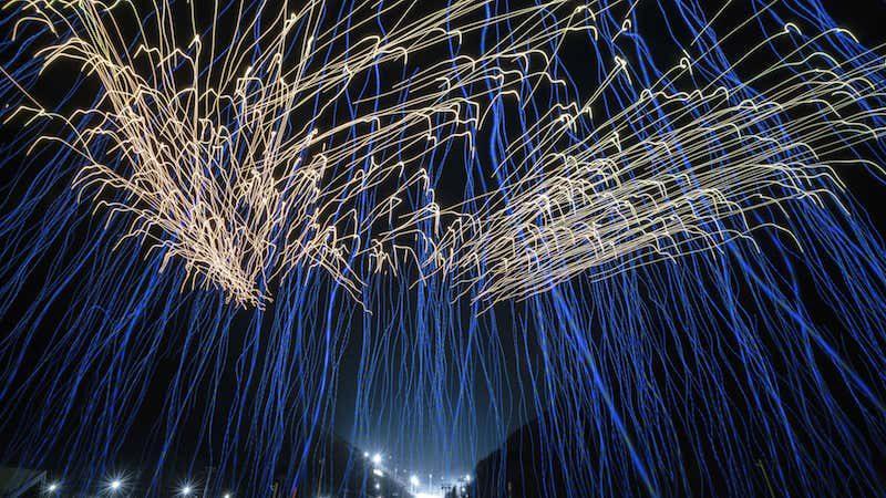 Los drones de Intel desafían a los fuegos de artificio
