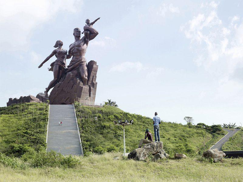 Colosses: Estatuas monumentales retratadas por Fabrice Fouillet