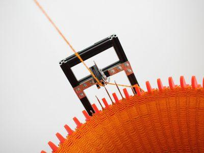 Circular Knitic, la máquina de tejer digital de código abierto de Varvara & Mar