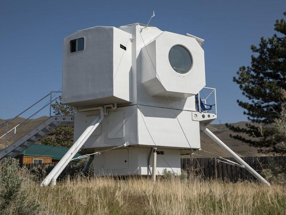 Kurt Hugher diseña una micro casa inspirada en el Lunar Landing del Apollo 11