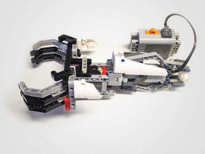Iko, la prótesis con piezas de Lego de Carlos Arturo Torres