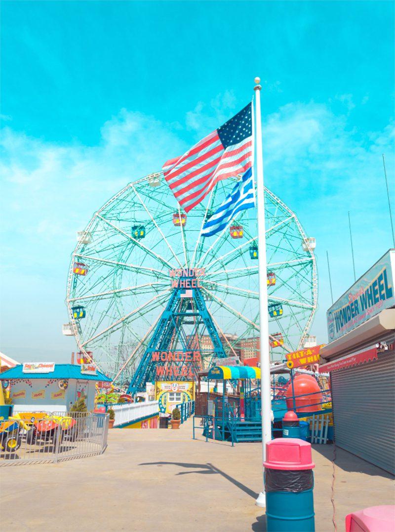 El azul de Coney Island tras el objetivo de Skander Khlif