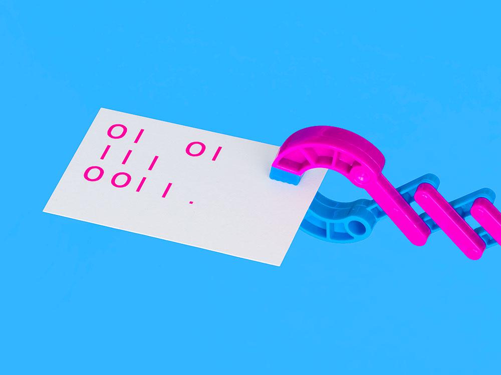 Futura diseña la imagen de Crack The Code. Informática para niños