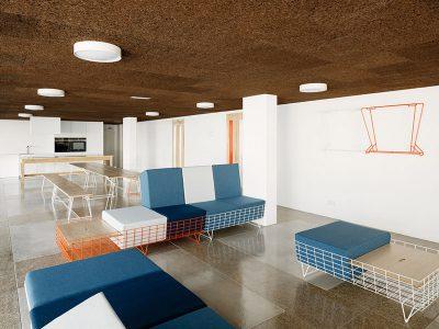 Estructuras modulares en el mobiliario de Cenlitrosmetrocadrado para 13Rosas