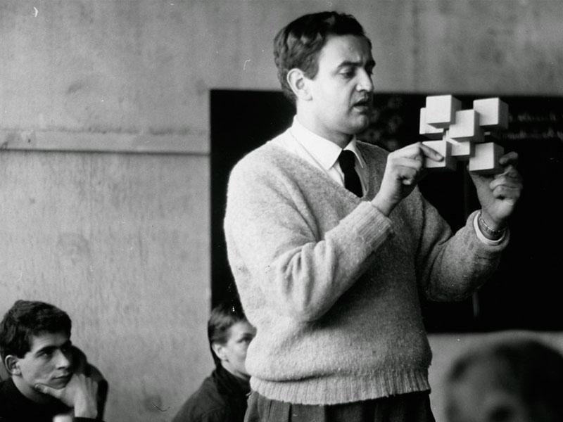 Tomás Maldonado, el eterno vanguardista.  Una vida de diseño
