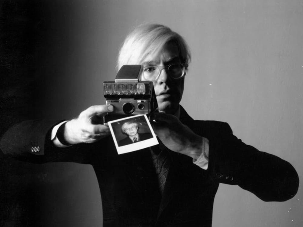 Andy Warhol: el diseñador que se eternizó en el artista